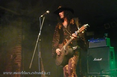 Eric Sardinas v Retro Music Hall