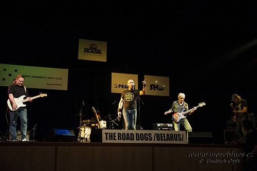 the-road-dogs_38_500.jpg