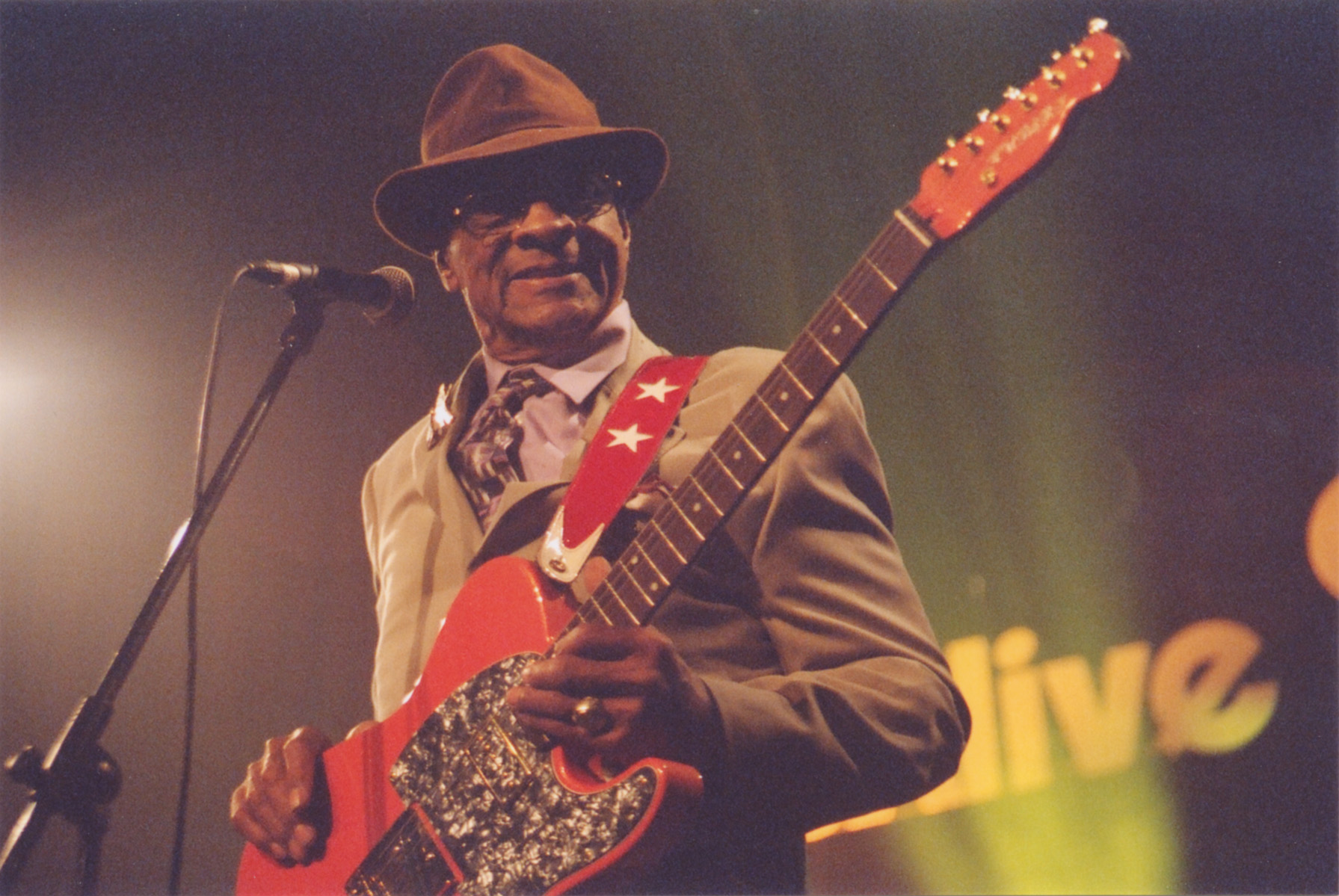 Hubert Sumlin Band 08.jpg